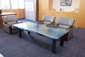 藍染木のテーブル